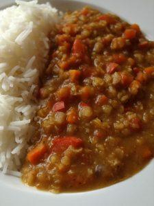 Linsen Dhal Karotten und Paprika