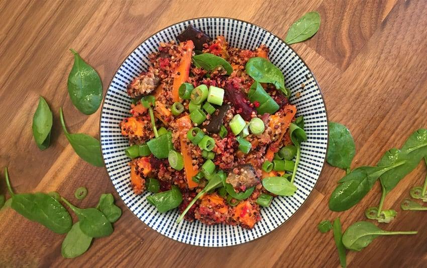 Quinoa Salat mit Röstgemüse