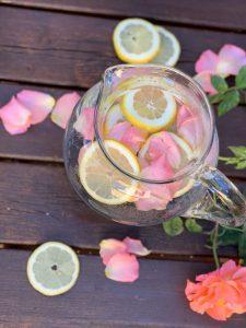 Rosenwasser-Limonade