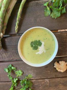 Ayurvedische Spargel-Kokos-Suppe